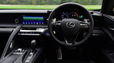Lexus LC 500h - dash