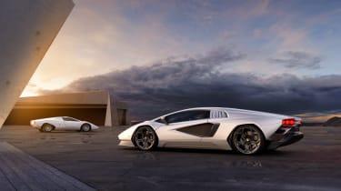 Lamborghini Countach LPI 800-4 group