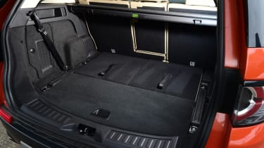Land Rover Discovery Sport - boot seats down