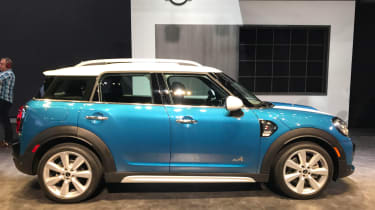 MINI Countryman - show side