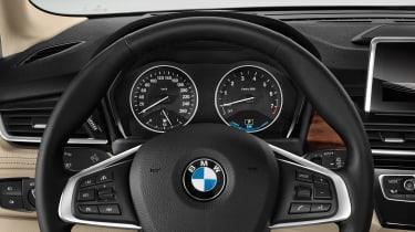 BMW 225xe - dash