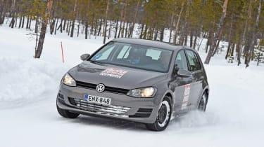 Winter tyre test - snow cornering