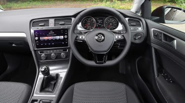 Volkswagen Golf 1.0 petrol - dash