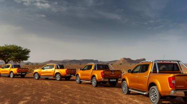Nissan NP300 Navara pick-up dune - off road group
