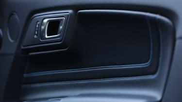 Ford Mustang - door detail