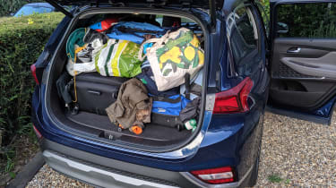 Hyundai Santa Fe - fourth report boot