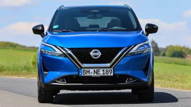 Nissan Qashqai - full front