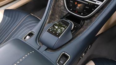 Aston Martin DB11 Volante - centre console