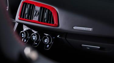 Audi R8 RWD Spyder - RWD badge