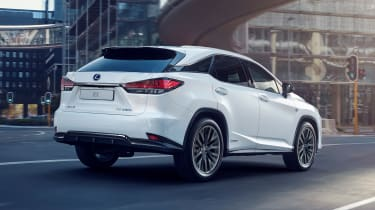 Facelifted Lexus RX - rear tracking
