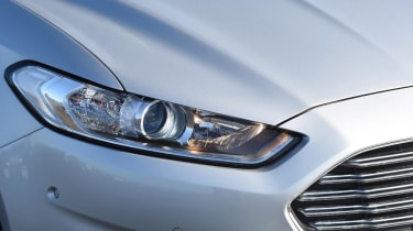 Ford Mondeo - front light detail