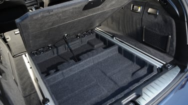 "<p class=""p1"">The boot also contains a shallow underfloor boot space.&nbsp;&nbsp;</p>"