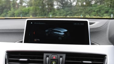 BMW X2 M35i - screen