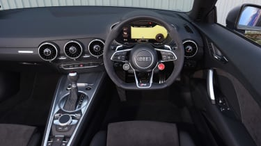 Audi TT RS Roadster - dash