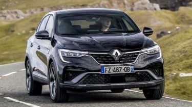 Renault Arkana - front action