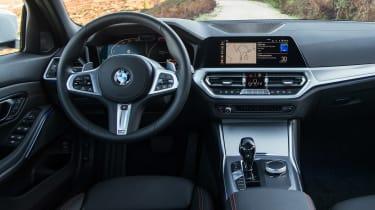 BMW 320d - dash