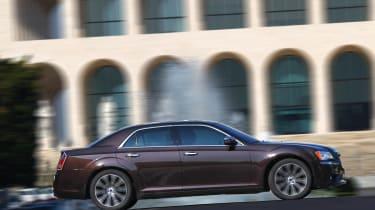 Chrysler 300C 2012 panning