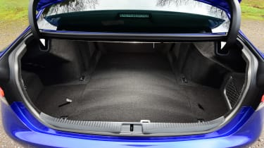 Lexus GS F - boot