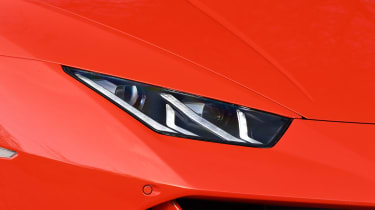 Lamborghini Huracan Evo Spyder - front light