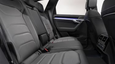 Volkswagen Touareg R-Line - rear seats