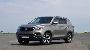 SsangYong Rexton - front static
