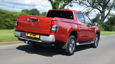 Mitsubishi L200 - rear tracking