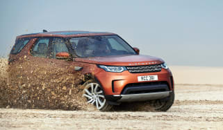 Land Rover Discovery 2017 - official off road 3