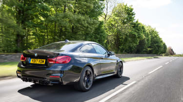 BMW M4 2017 facelift rear tracking