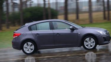 Chevrolet Cruze panning
