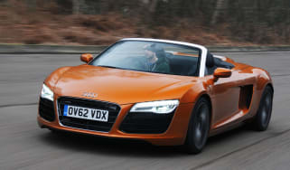 Audi R8 Spyder front tracking