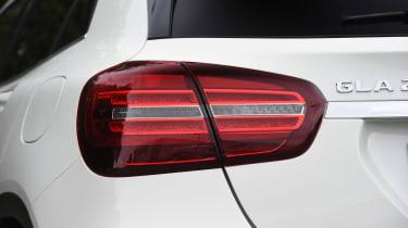 Mercedes GLA facelift - rear light