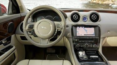 Jaguar XJ AWD interior