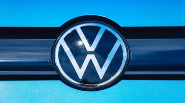 Volkswagen Caddy California MPV - badge