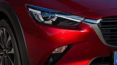 Mazda CX-3 - front light