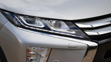 Mitsubishi Eclipse Cross - Headlight