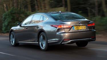 Lexus LS - rear