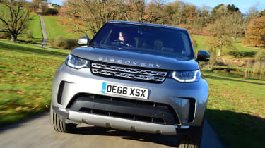 Land Rover Discovery Mk5 - full front