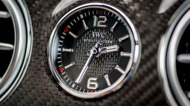 Mercedes-AMG S 63 - clock