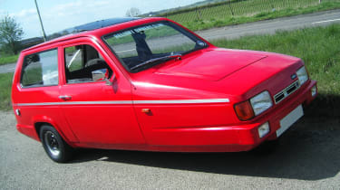 Top 10 worst cars - Reliant Robin red front