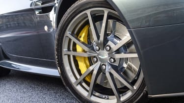 Aston Martin V8 Vantage N430 - wheels