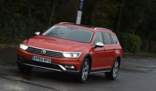 Volkswagen Passat Alltrack front