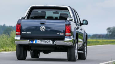 Volkswagen Amarok V6 - rear tracking press