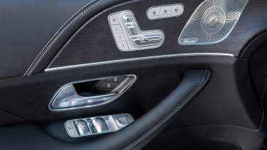 Mercedes GLC 400 d Coupe - seat controls