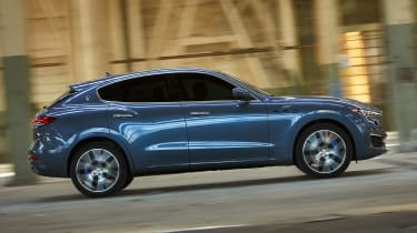 Maserati Levante Hybrid - side