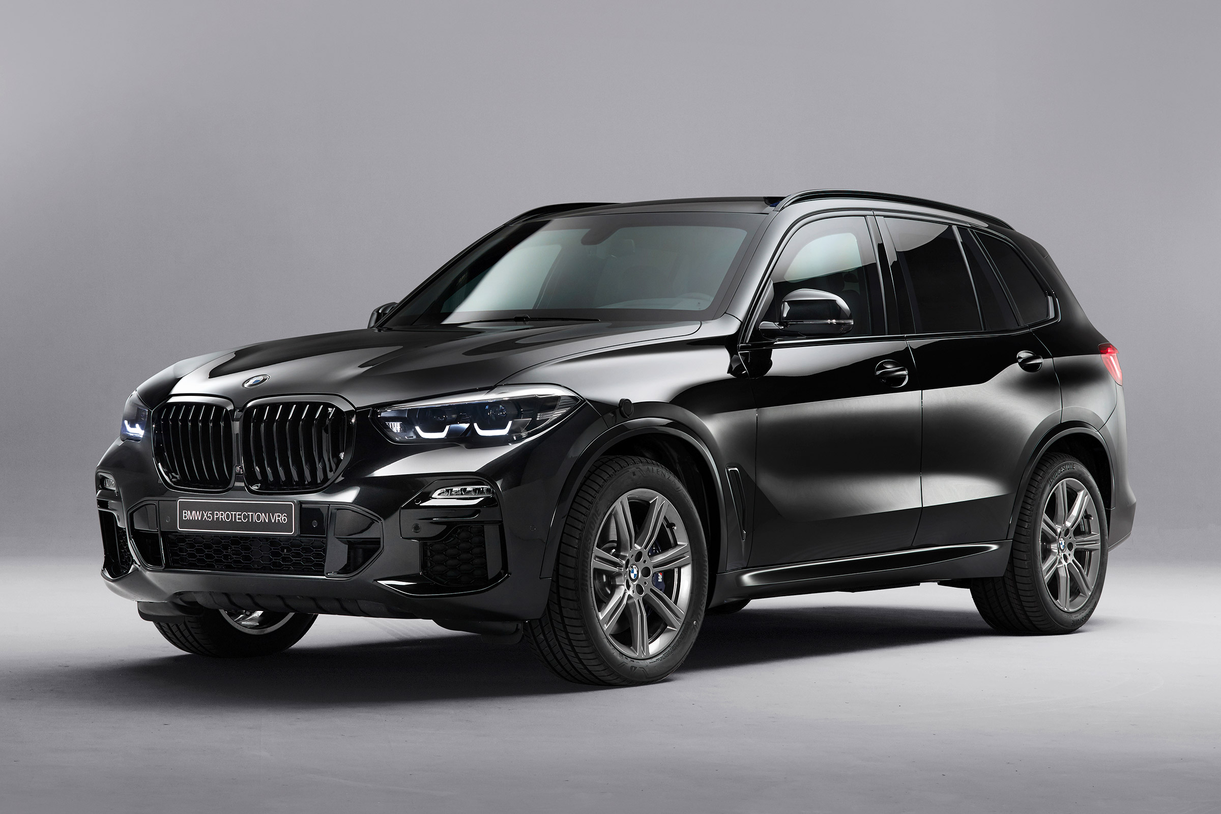 Armour-plated BMW X5 Protection VR6 launched | Auto Express