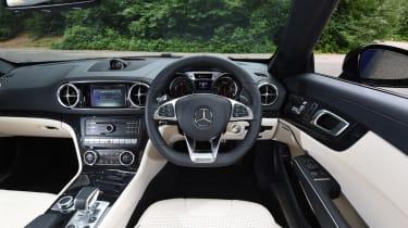Mercedes-AMG SL 63 2016 - interior