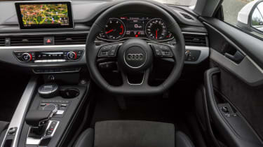 Audi A5 Coupe - dash