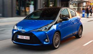 Toyota Yaris Hybrid Bi-Tone - front