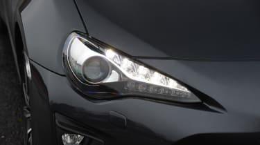 Toyota GT 86 2017 facelift - headlight
