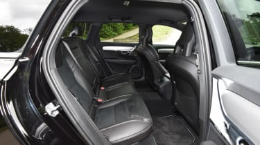 Volvo V90 - rear seats